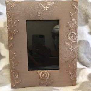 2/$20 Carr Tan/ taupe floral 4x6 frame